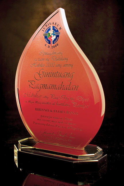 <h6>Single Flame Shaped Glass Award</h6> [Code:FCGB2B-MB]
